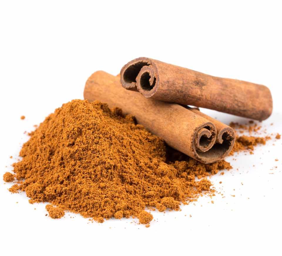Get-rid-of-blackheads-using-cinnamon